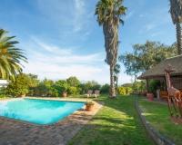 Garden & Pool - Villa Vista